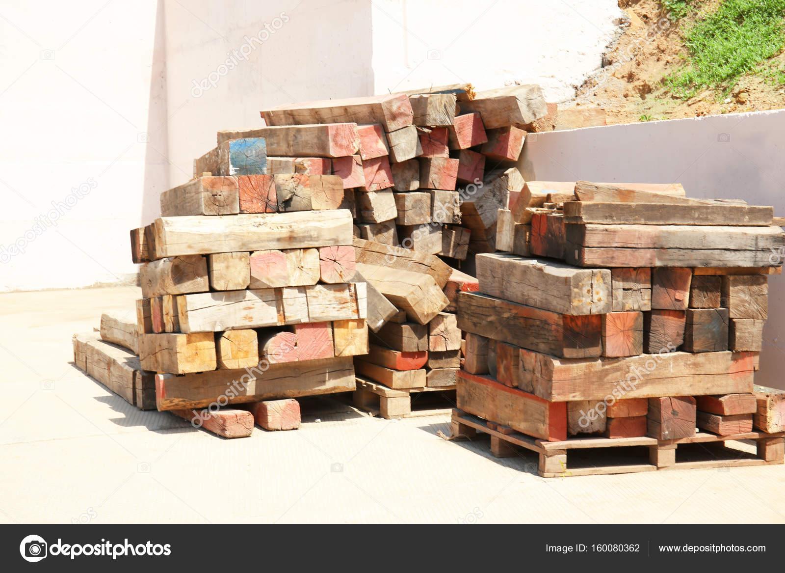 Gestapelte Holz Balken U2014 Stockfoto