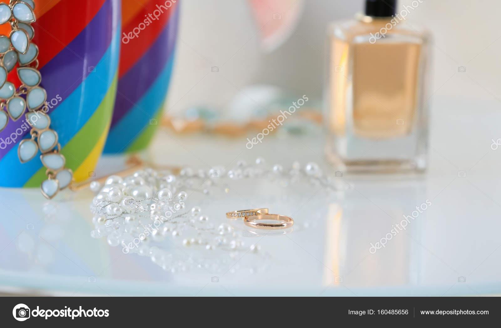 Liquid gold lesbians