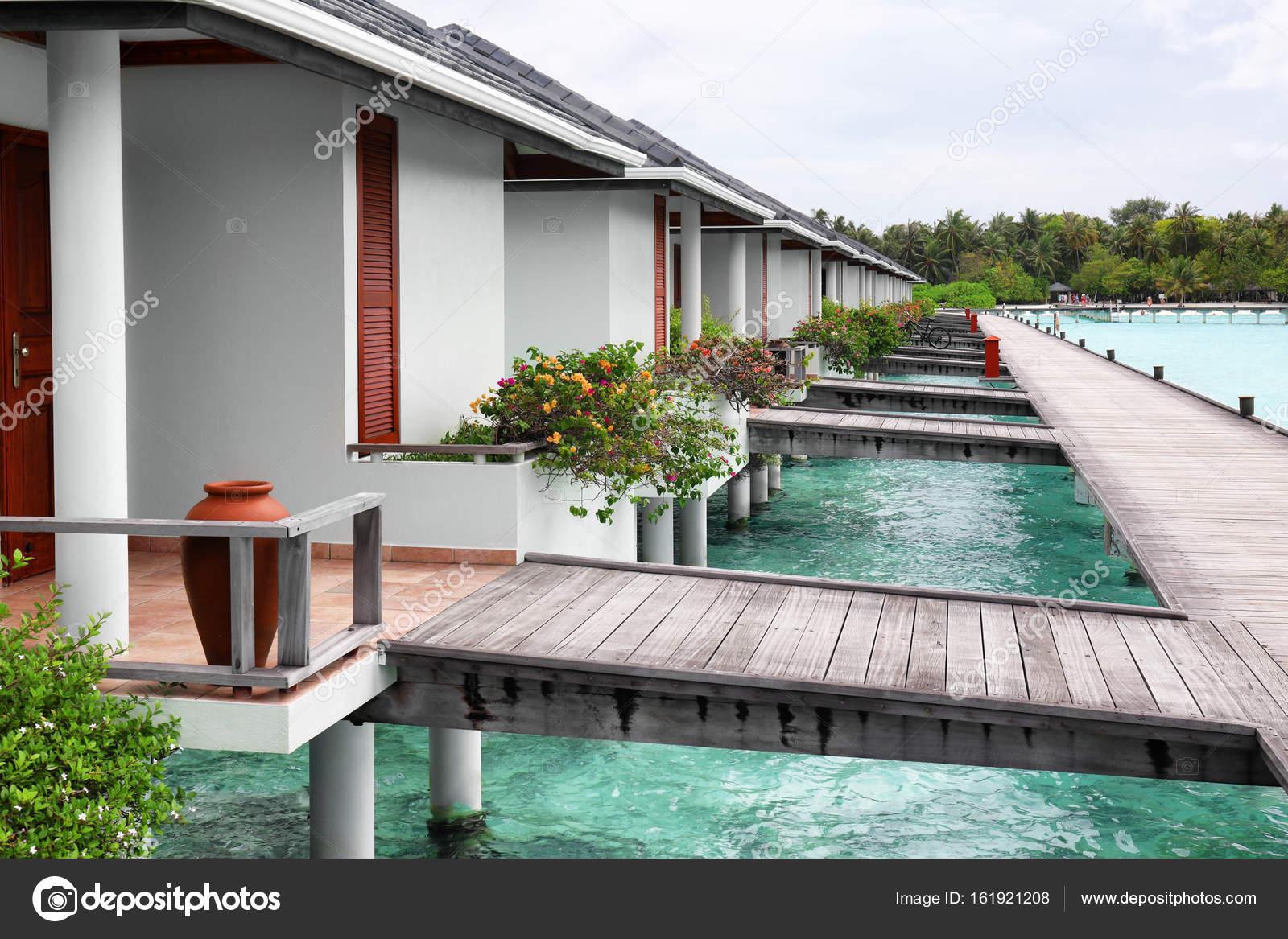 Casas de playa modernas foto de stock belchonock for Disenos de casas de playa pequenas