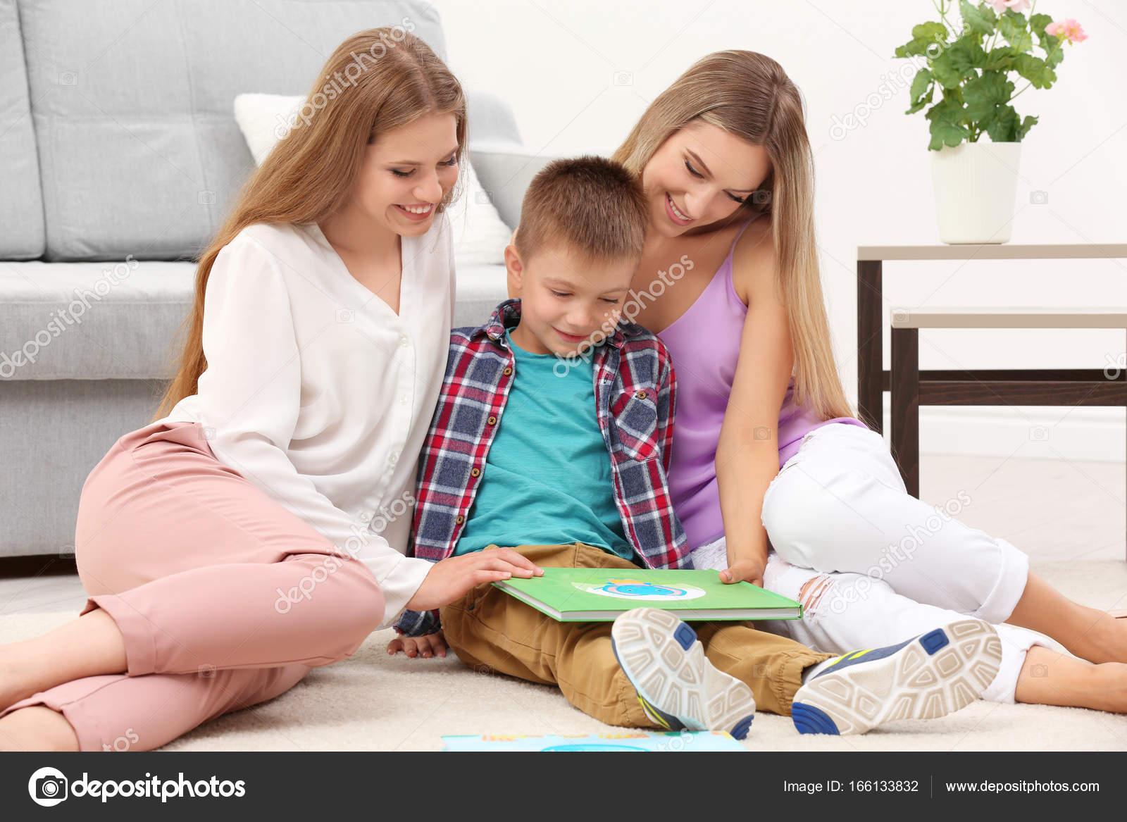 Соитие мамы с сыном, Порно: мама и сын. Инцест мамы и сына. Секс мамы 20 фотография