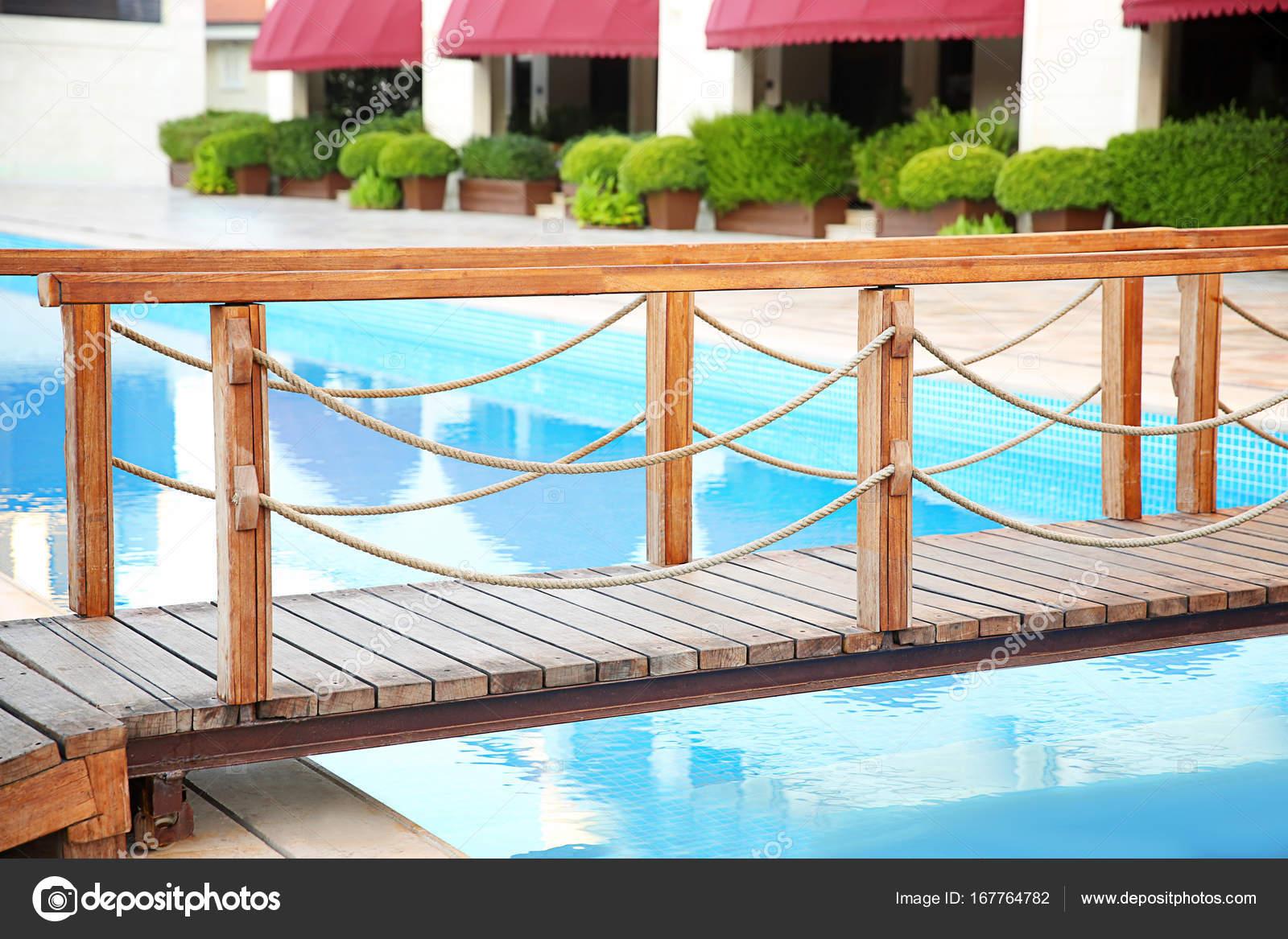 Wooden Bridge Swimming Pool Luxury Hotel — Stock Photo ...