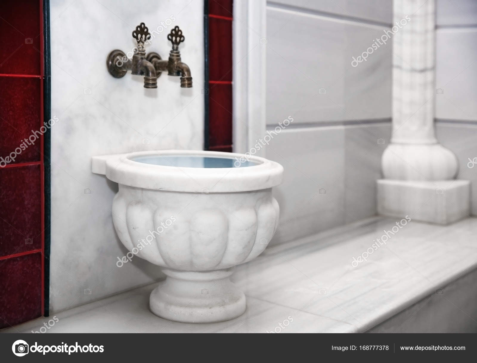 Traditional marble kurna in turkish hammam — Stock Photo ...