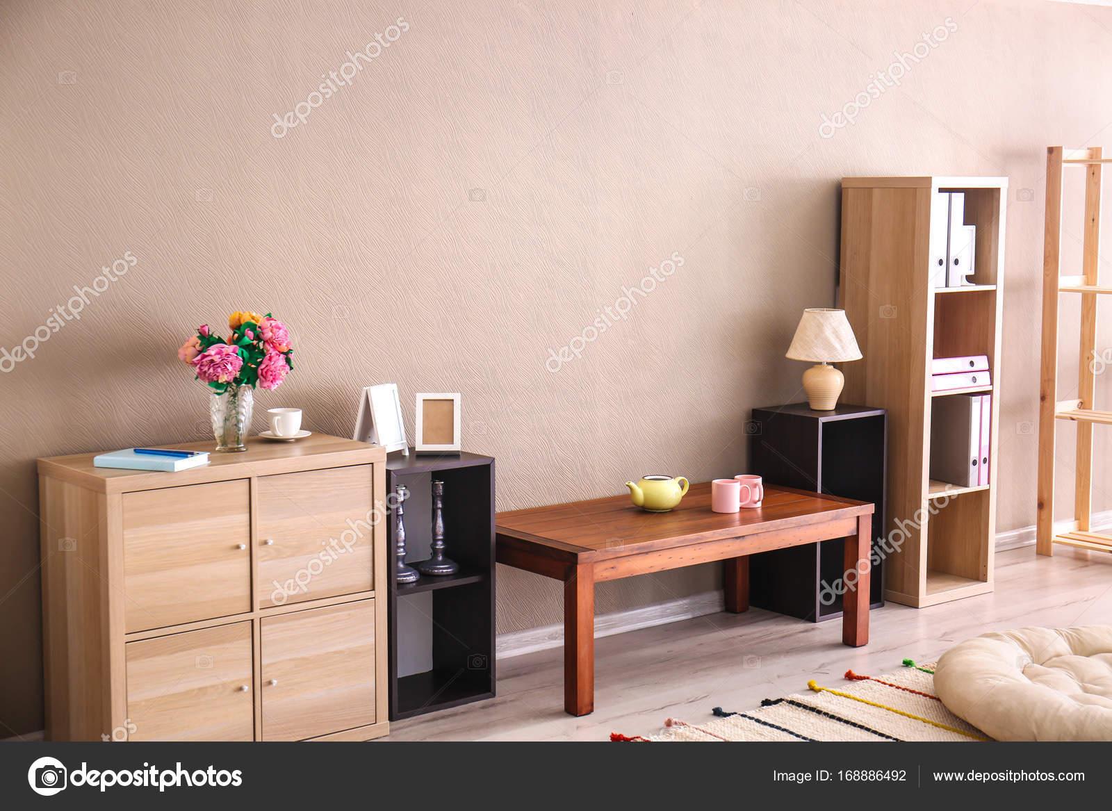 Moderne woonkamer interieur met plaats voor Tv-toestel — Stockfoto ...