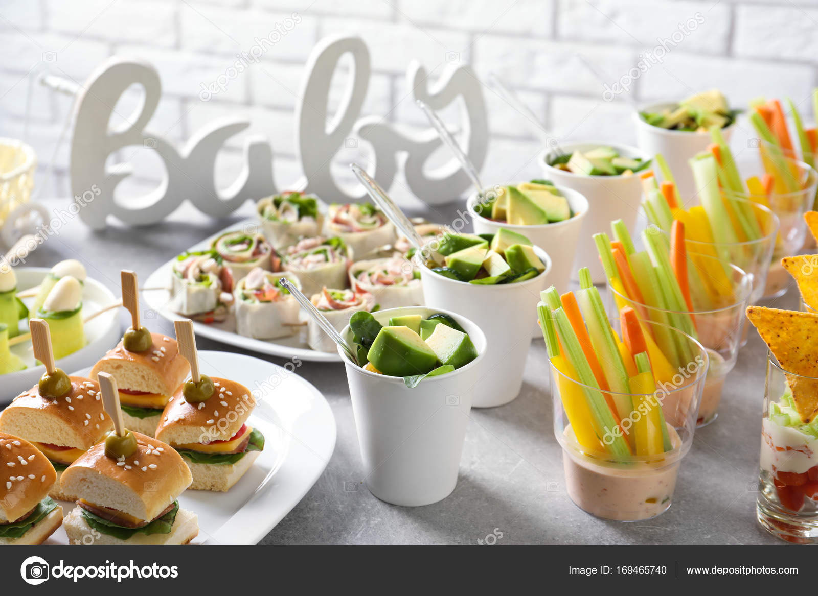leckeres essen f r baby shower party stockfoto belchonock 169465740. Black Bedroom Furniture Sets. Home Design Ideas