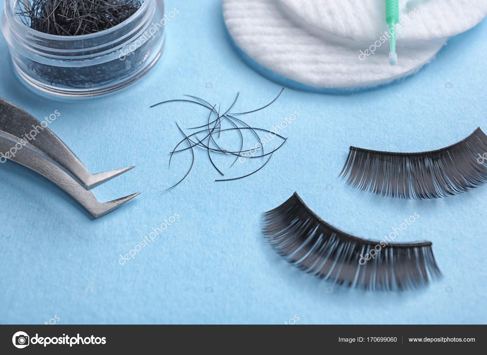 8f9638c81d6 Set with false eyelashes on color background — Stock Photo ...