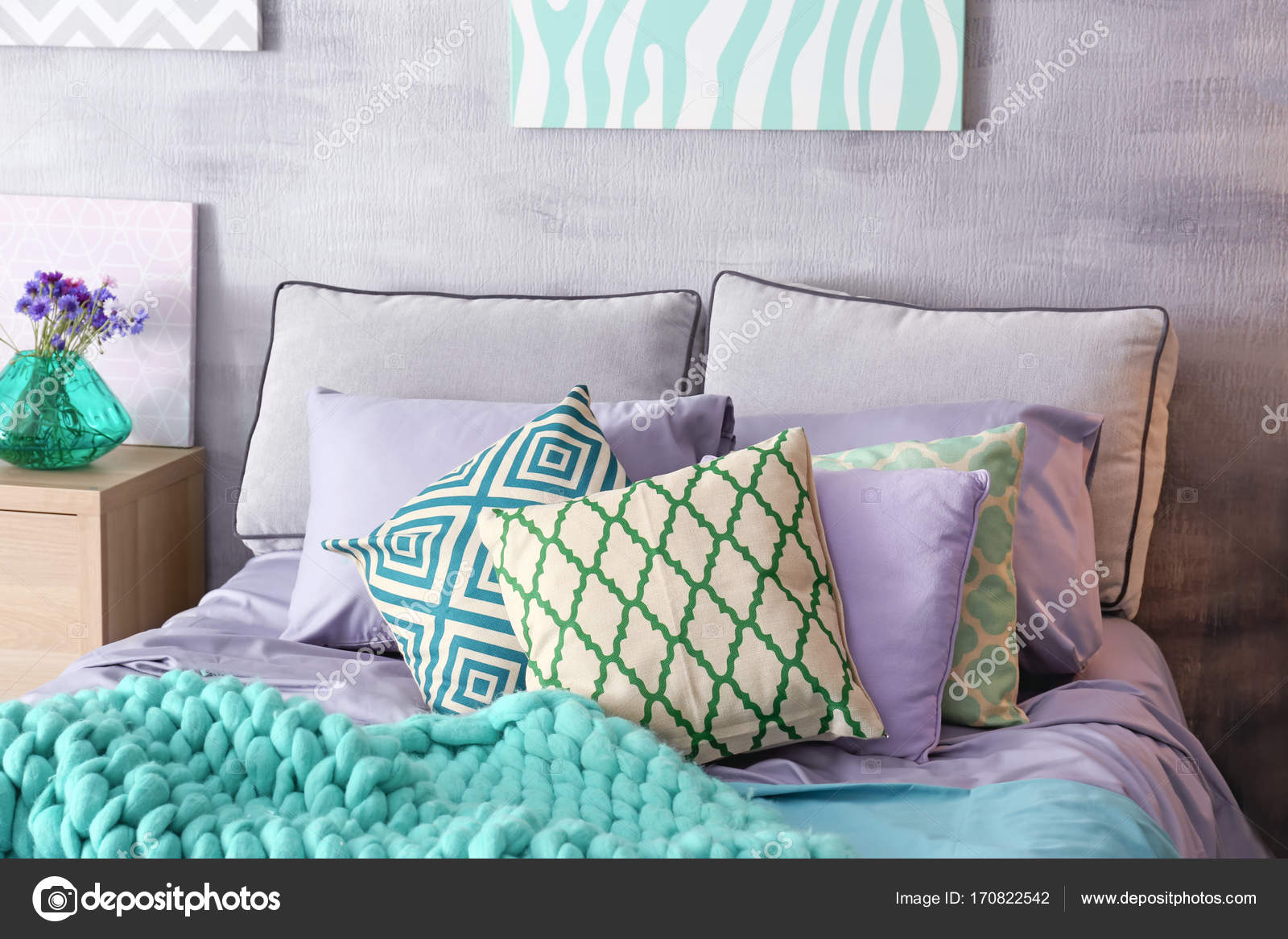 Superb Lilac Accent In Modern Interior Comfortable Bed With Download Free Architecture Designs Photstoregrimeyleaguecom