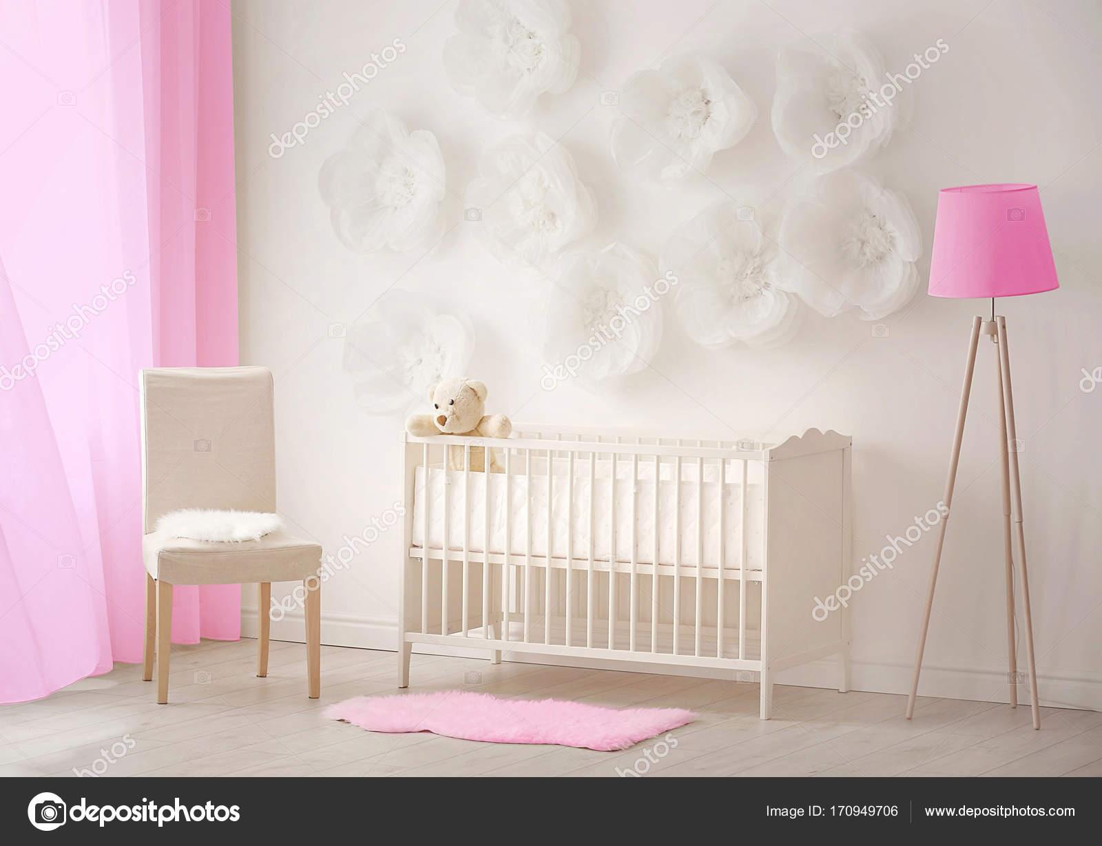 Moderne kinderkamer u stockfoto belchonock