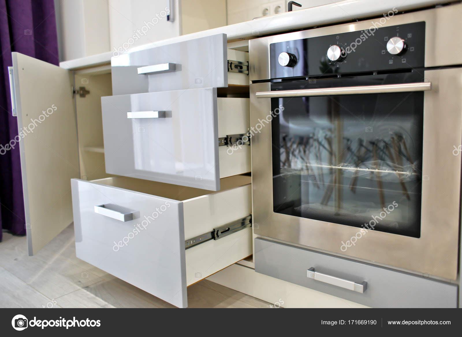 Mobili per cucina moderna — Foto Stock © belchonock #171669190