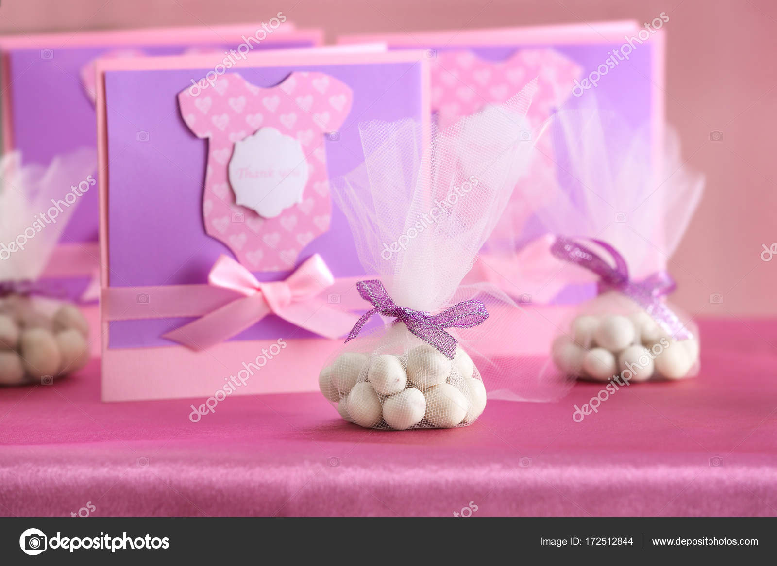 Mesa De Baby Shower.Thank You Cards For Baby Shower On Table Stock Photo