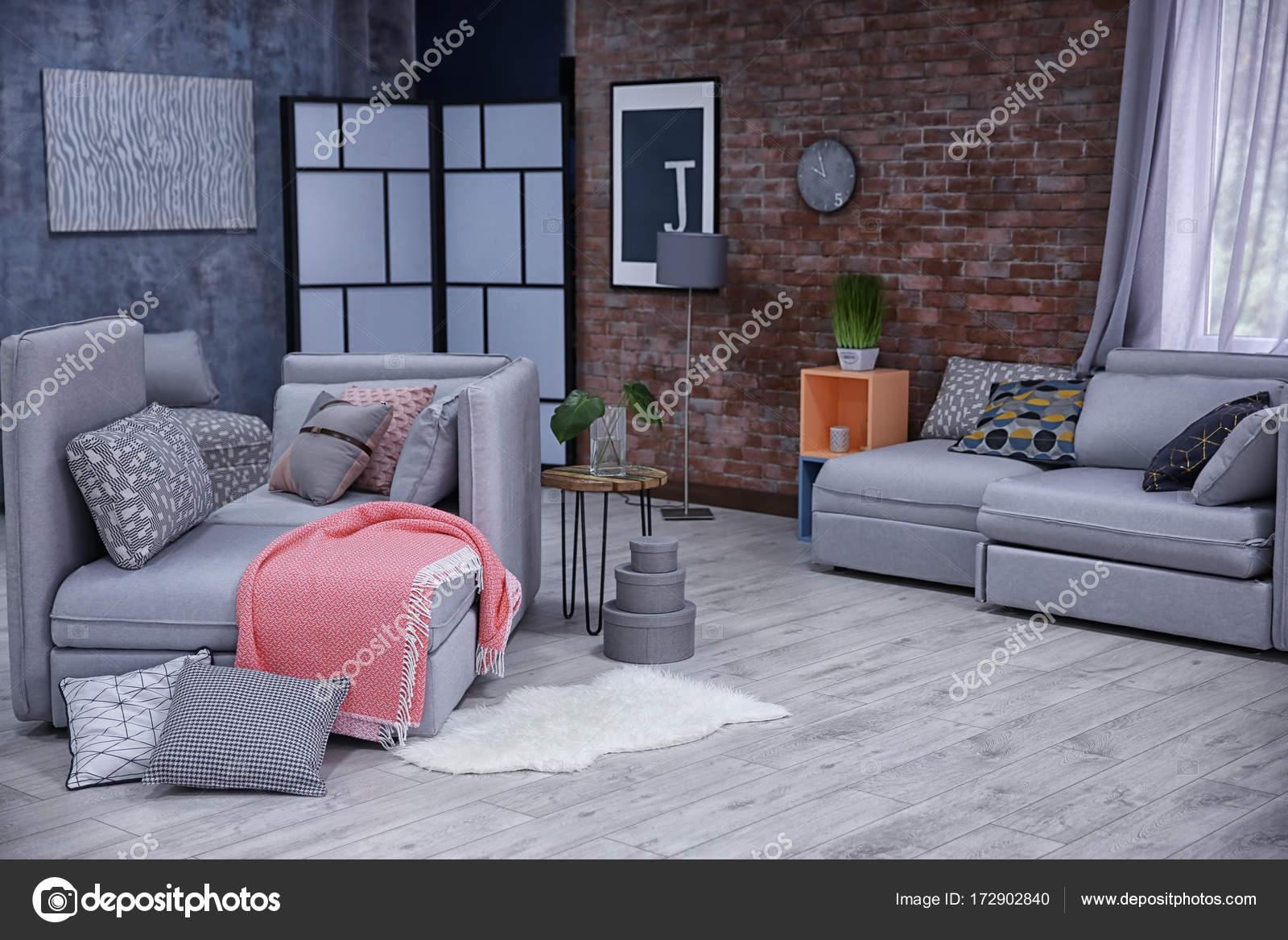 Schöne moderne Zimmer — Stockfoto © belchonock #172902840