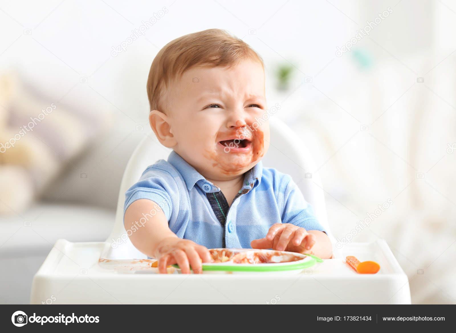 baby huilt tijdens voeding