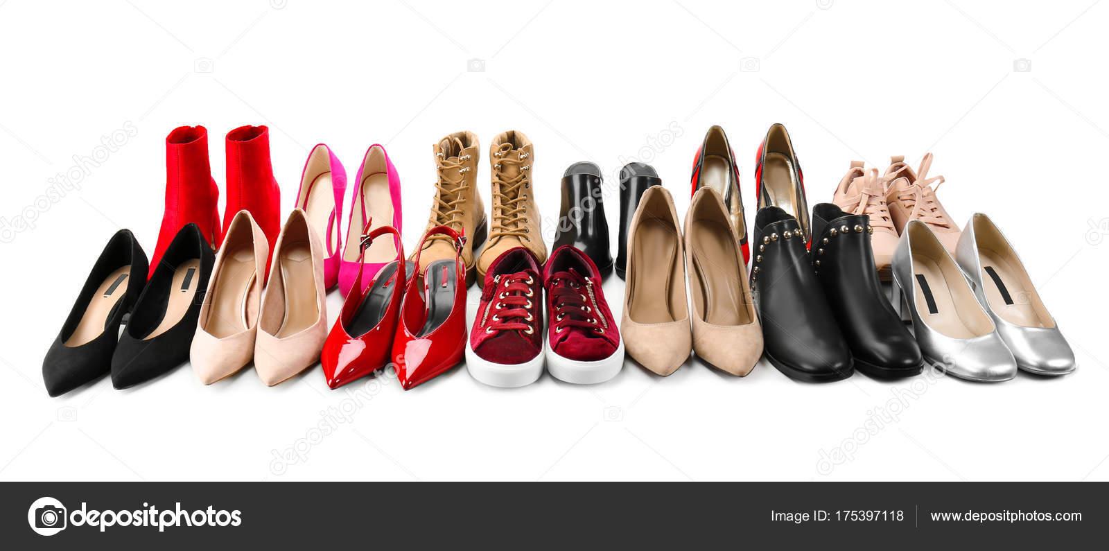 b6856e90b007e3 Різні жіноче взуття — Стокове фото — колір © belchonock #175397118