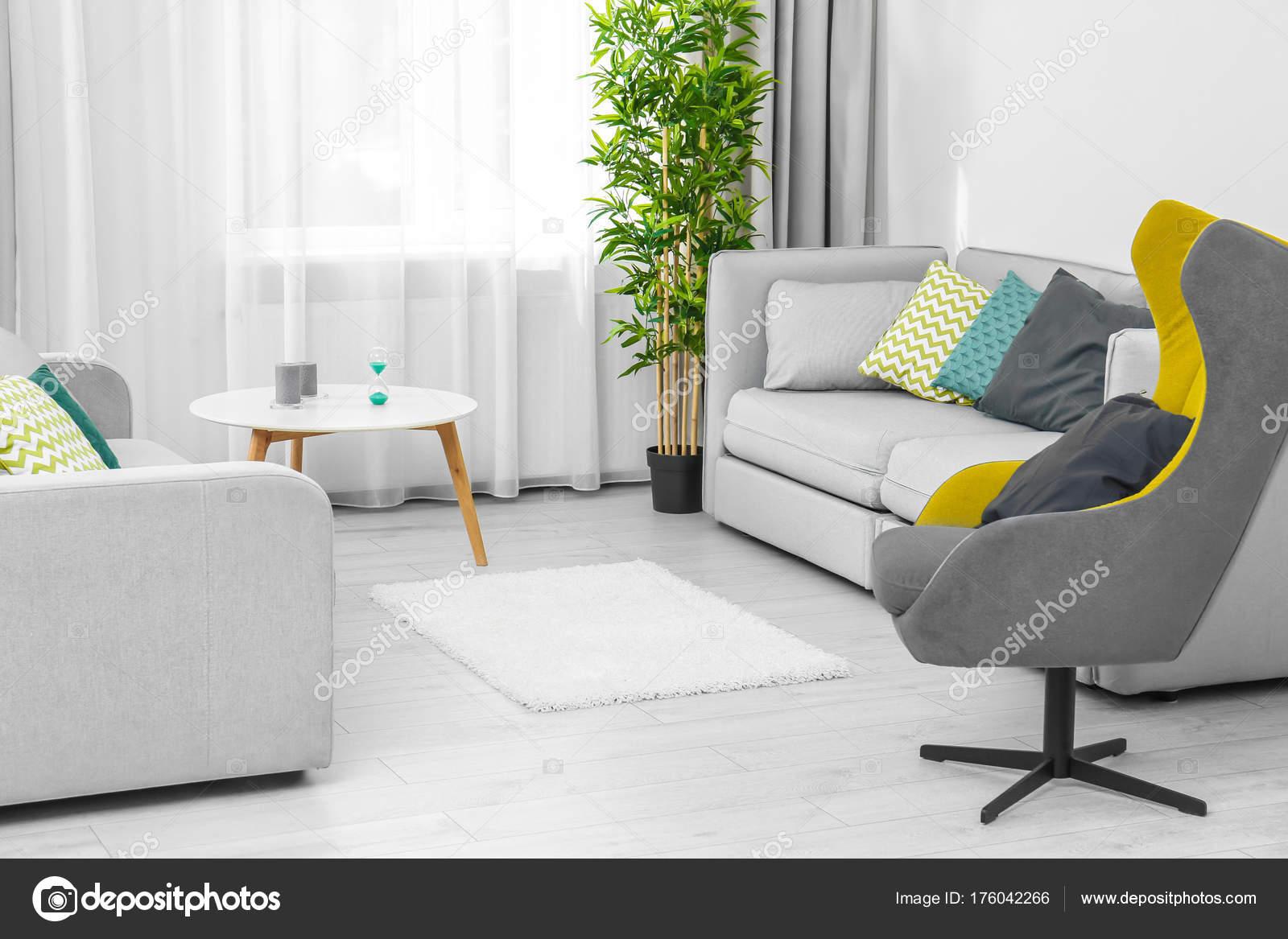 Modernes Design Wohnzimmer Interieur — Stockfoto © belchonock #176042266