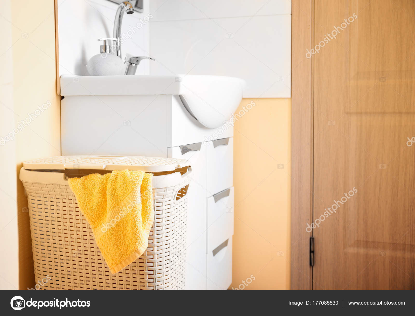 Ikea Badkamer Wasmanden : Relaxdays wasmand met 3 planken bamboe hout badkamermeubel badkamer