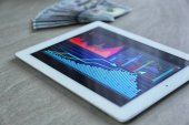 Tablet with stock data