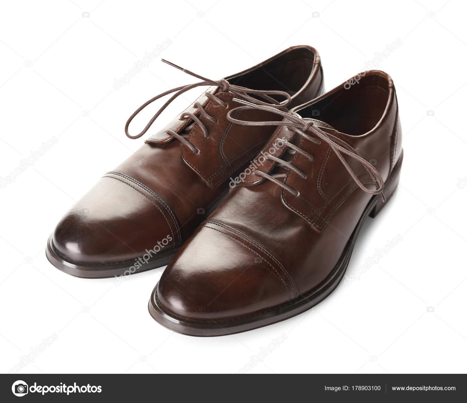 7e159b0e59 Zapatos de cuero los hombres sobre fondo blanco — Foto de stock ...