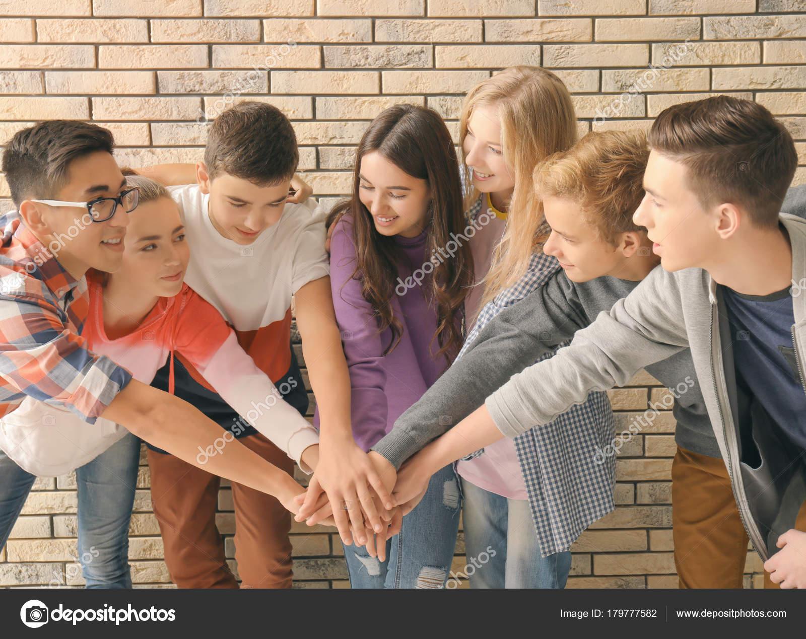 Datování ve skupině mládeže