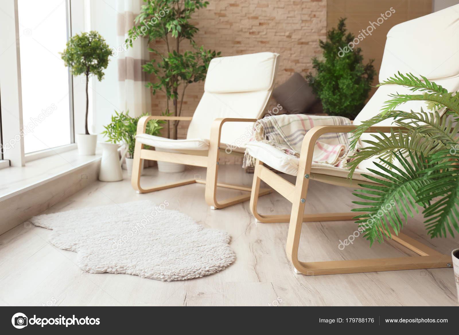 Bequeme Sessel Moderne Wohnzimmer Stockfoto C Belchonock 179788176