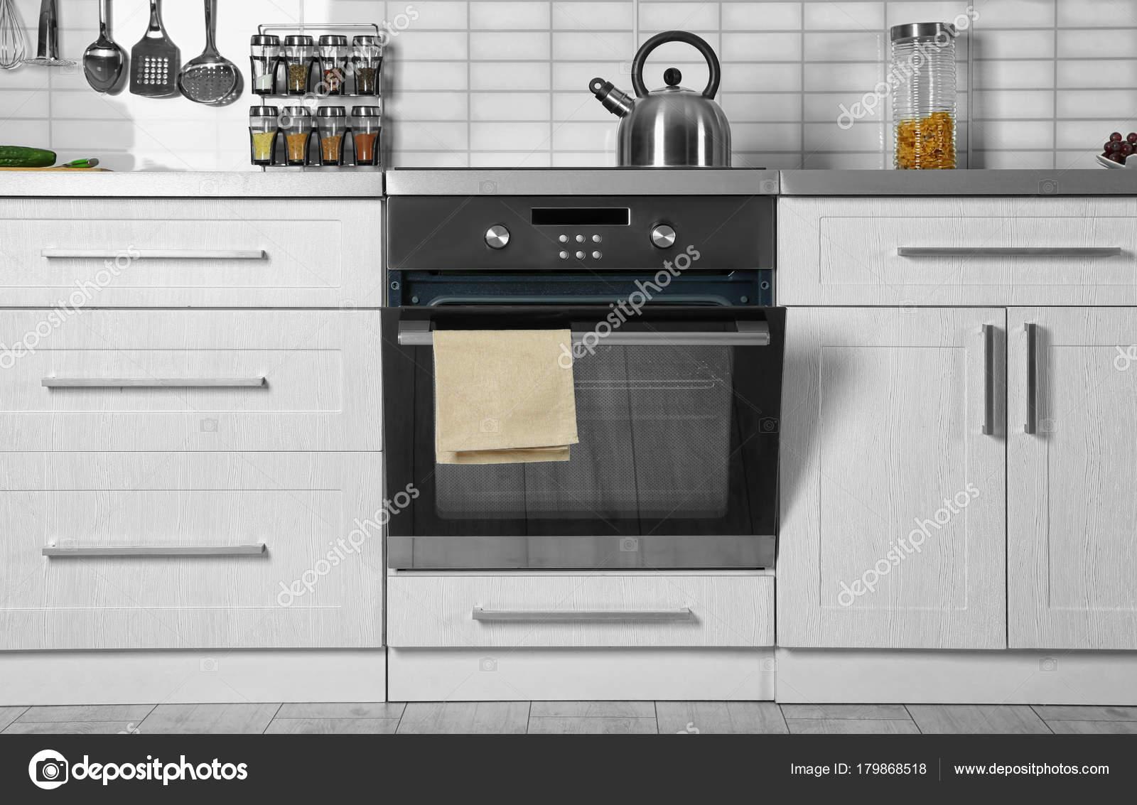Interior Cocina Moderna Con Horno Nuevo — Fotos de Stock ...