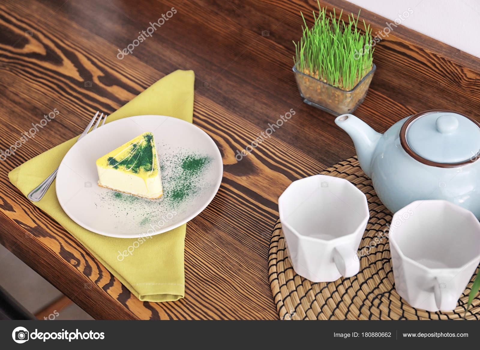 Stück Leckeren Kuchen Auf Teller Tischdekoration Vegetarischen Café ...