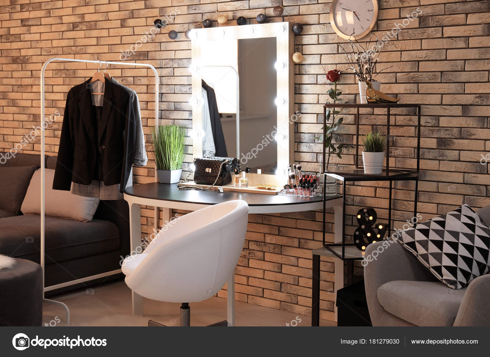 Interno della sala trucco moderno foto stock for Interno moderno