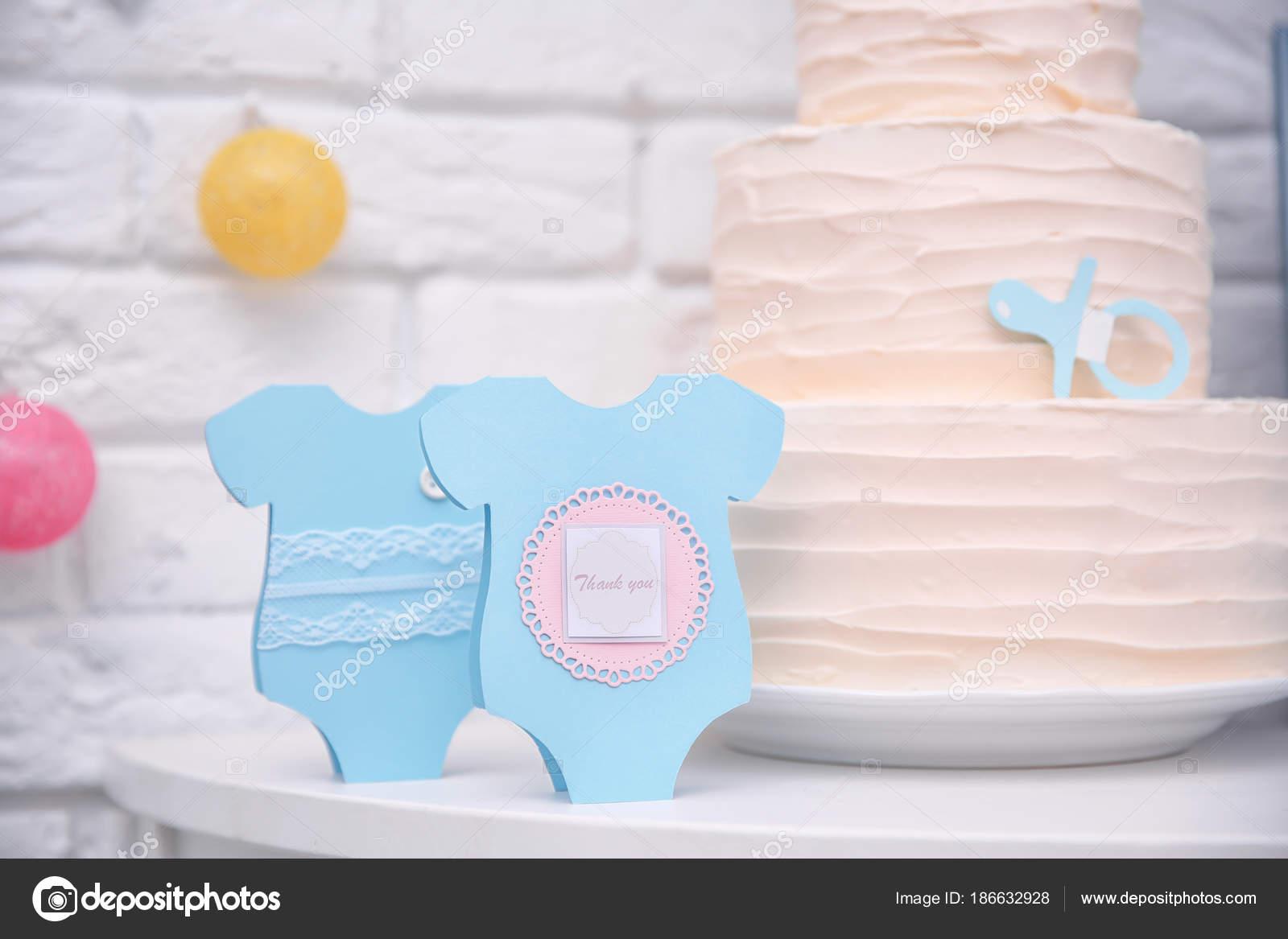 Dankeschon Karten Und Leckeren Kuchen Fur Baby Shower Party Auf