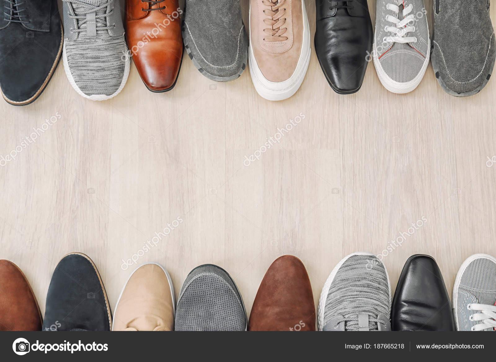 fe540830e3c Διαφορετικά παπούτσια αρσενικό — Φωτογραφία Αρχείου © belchonock ...