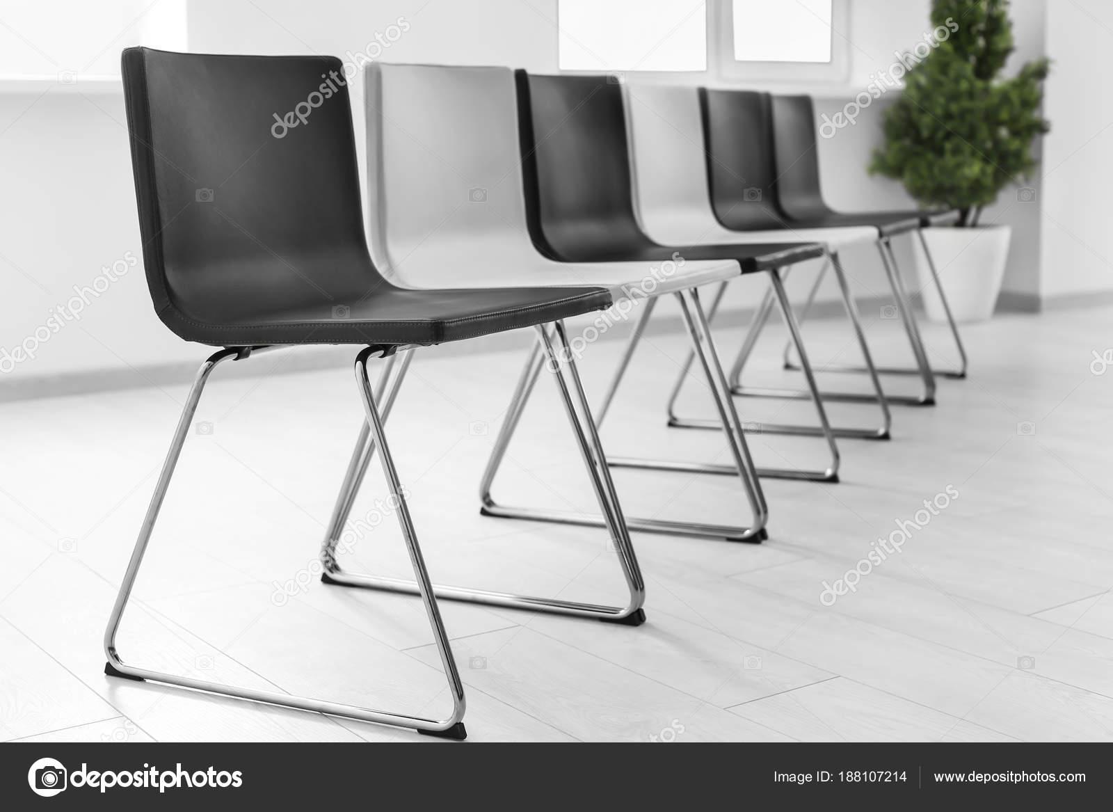 Für Weiß Schwarz Stühle Leeren Gruppentherapie Raum 6gvYb7yIf