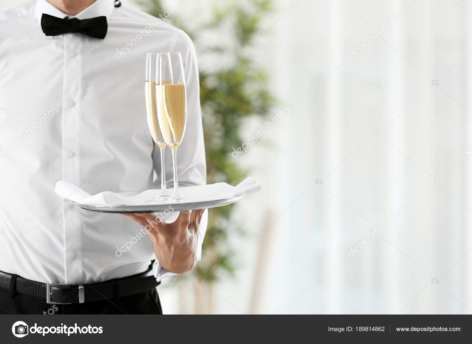 Waiter Holding Tray Glasses Champagne Restaurant — Stock