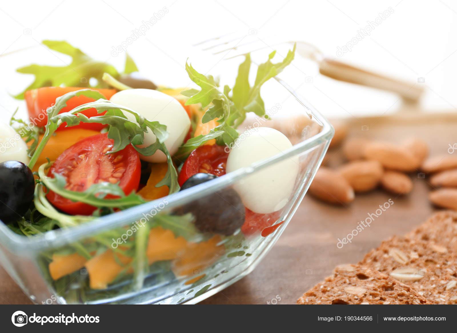 Primorsallad med kokt agg