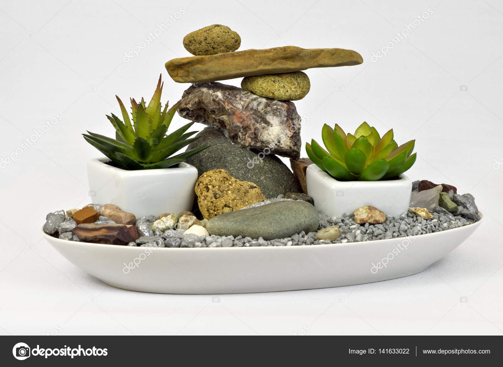 Mini-Garten mit Steinen — Stockfoto © metlion #141633022