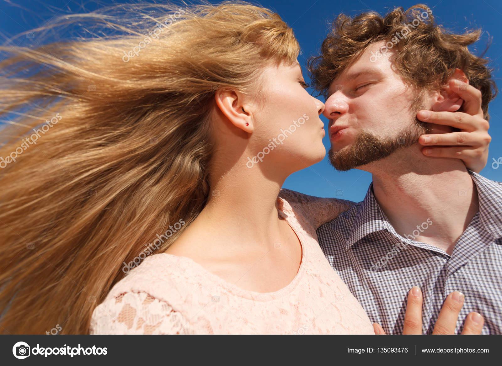 Любовь, знакомства поцелуй знакомства без регистрации и смс в ялте
