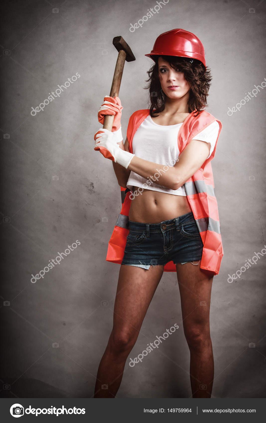 Giovane ragazza dà colpo lavoro