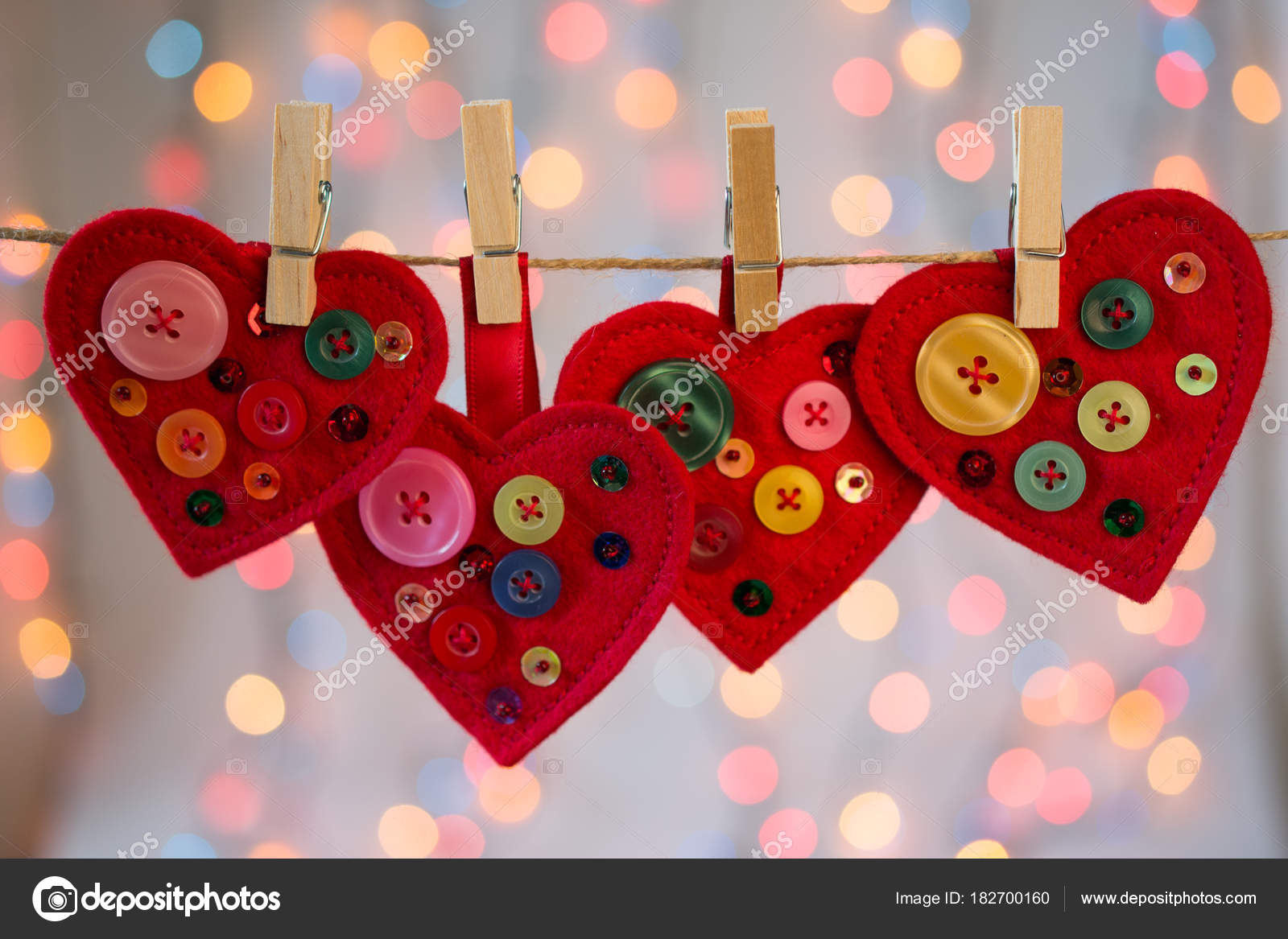 Manualidades Corazones Fieltro Rojo Decoracion Con Perlas Botones - Decoracion-san-valentin-manualidades