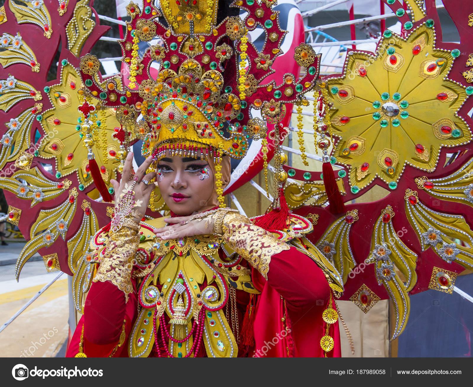 2018 Chingay Parade Foto Editorial De Stock C Kobbydagan 187989058