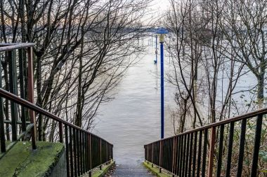 The river Rhine is flooding the city of Duisburg