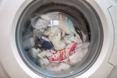 Modern mosógép elölnézete