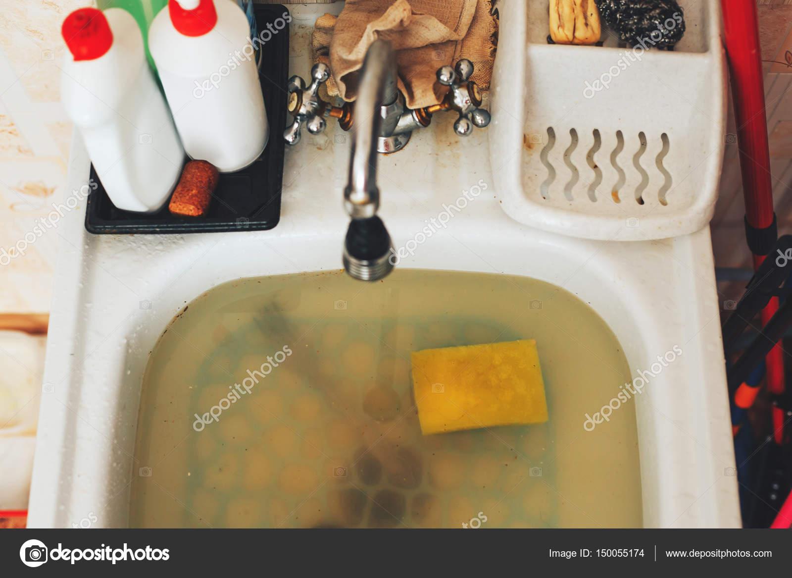 Obstruir en el fregadero de la cocina, la obstrucción de agua ...
