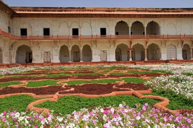 Gardens in Red Fort
