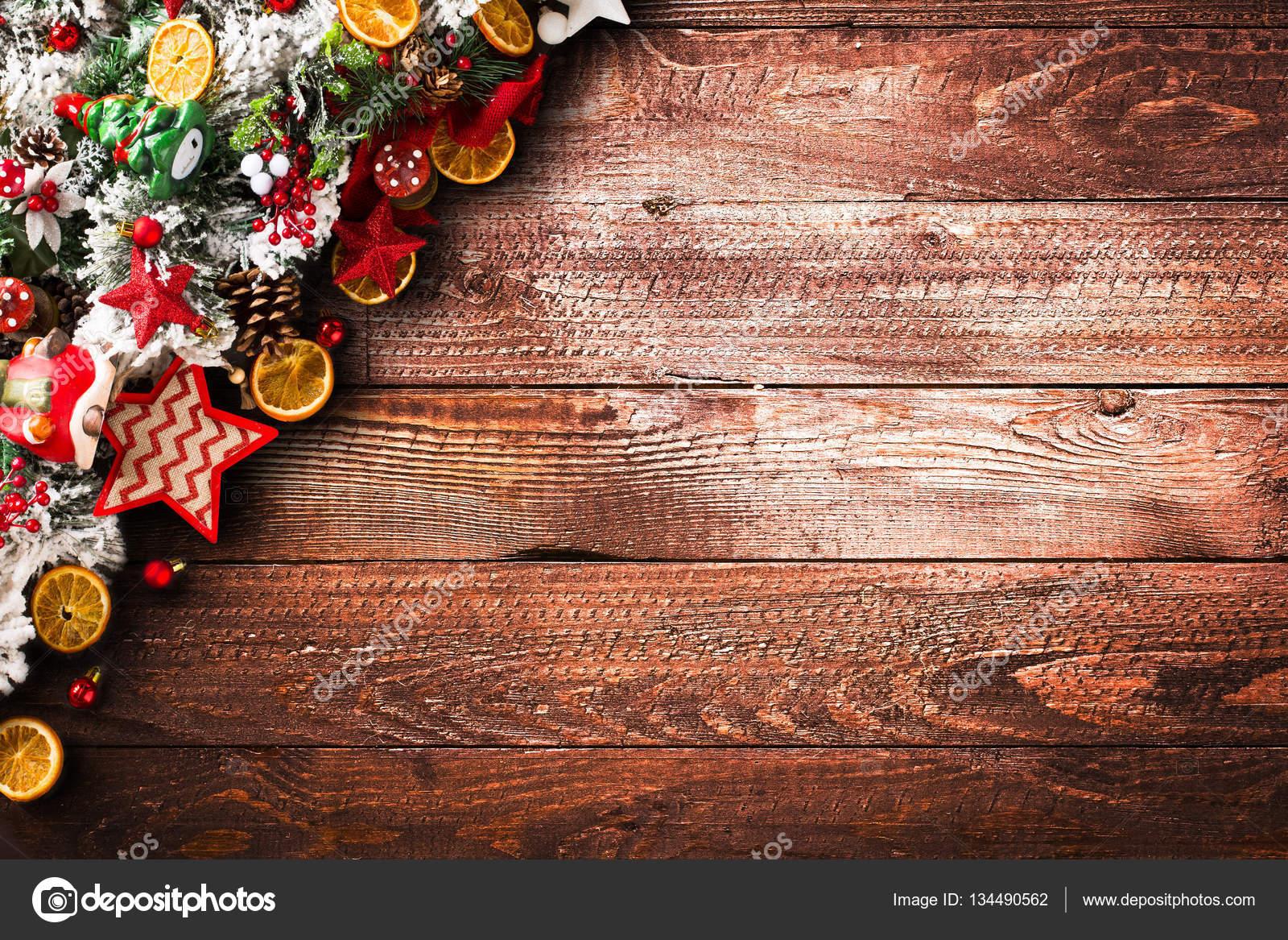 frohe weihnachten rahmen mit gr nen pinien bunte kugeln. Black Bedroom Furniture Sets. Home Design Ideas