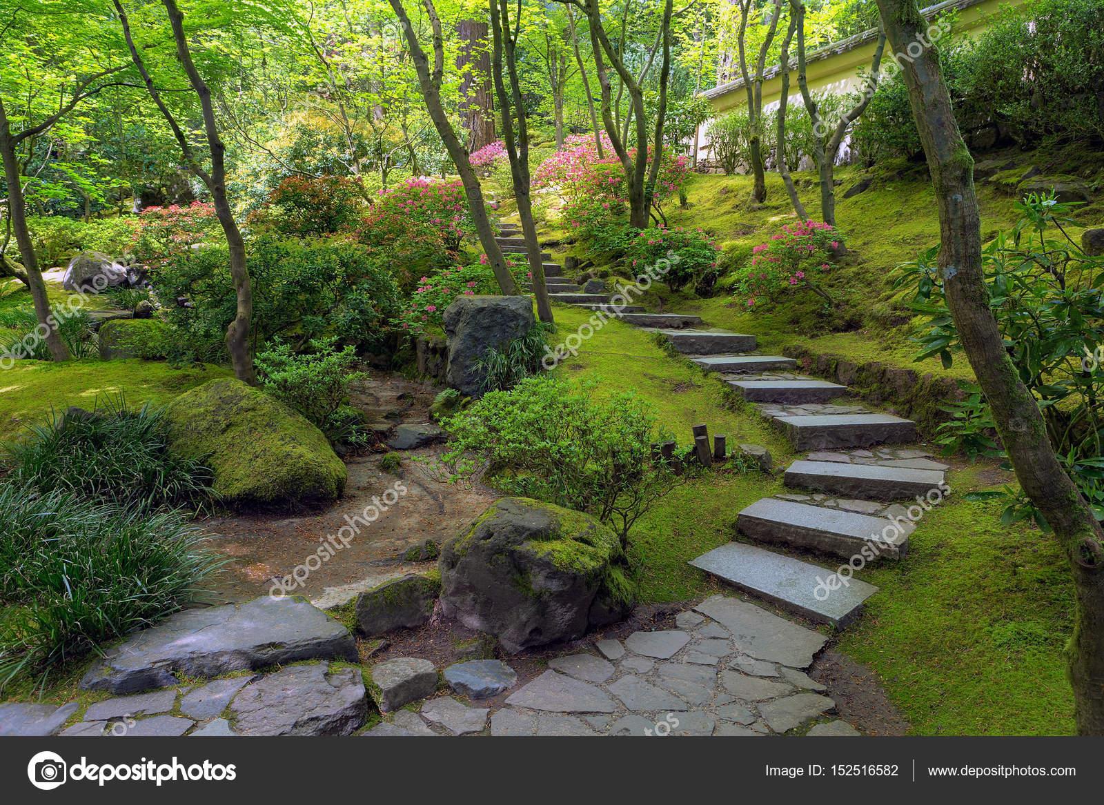 Escaliers de Pierre au jardin japonais de Portland — Photographie ...