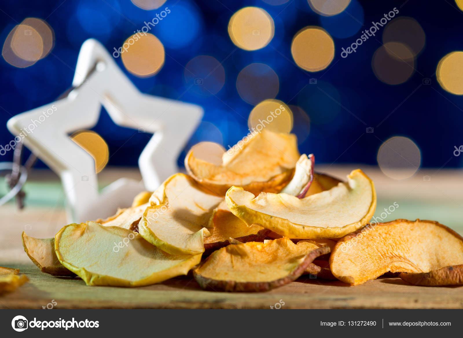 Stella Di Natale Secca.Frutta Secca Con Stella Di Natale Sui Precedenti Blu Foto Stock