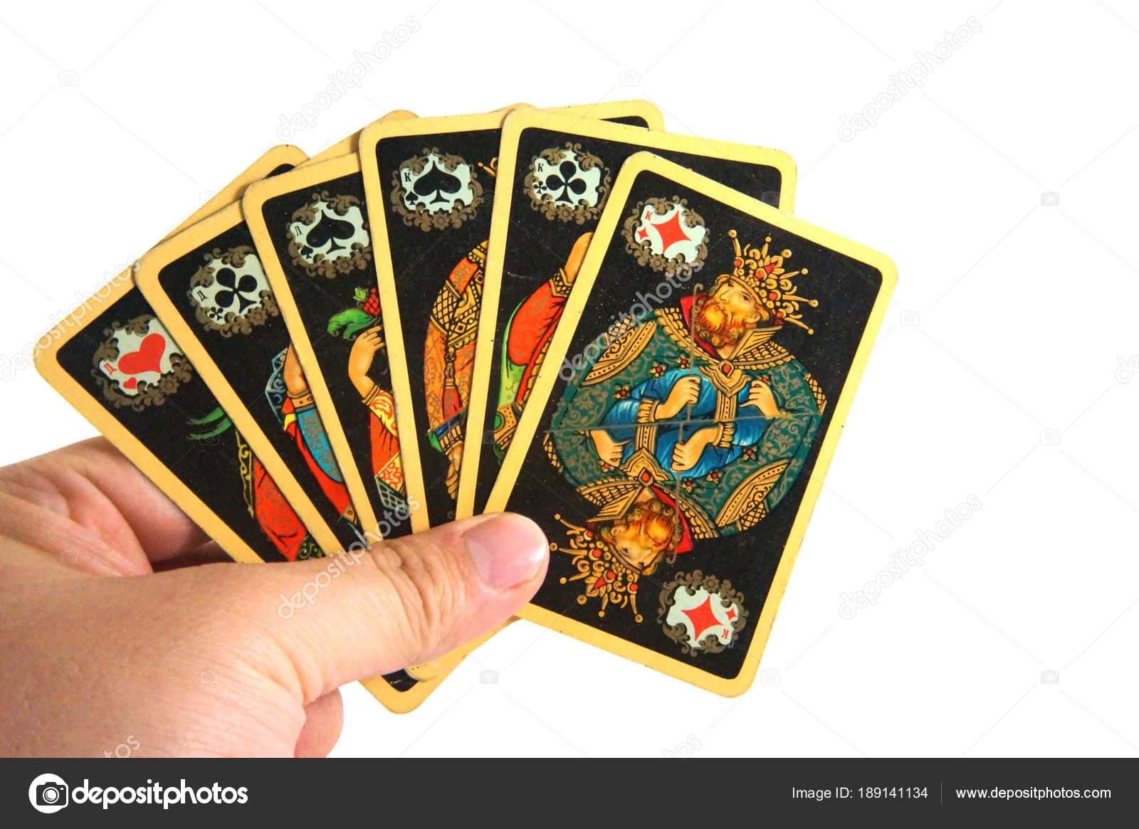 Играть человек новые карты топ игроков в онлайн покер