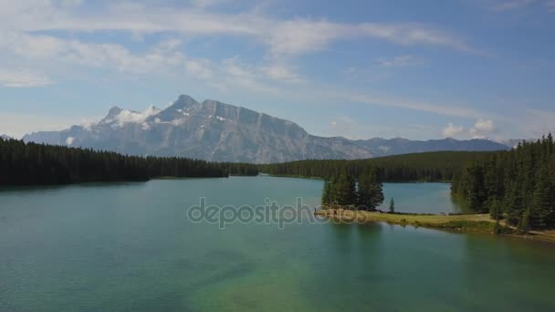 minnewanka see im banff nationalpark, kanada