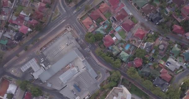 Letecký pohled na architekturu obytných předměstí Johannesburgu, Jihoafrická republika
