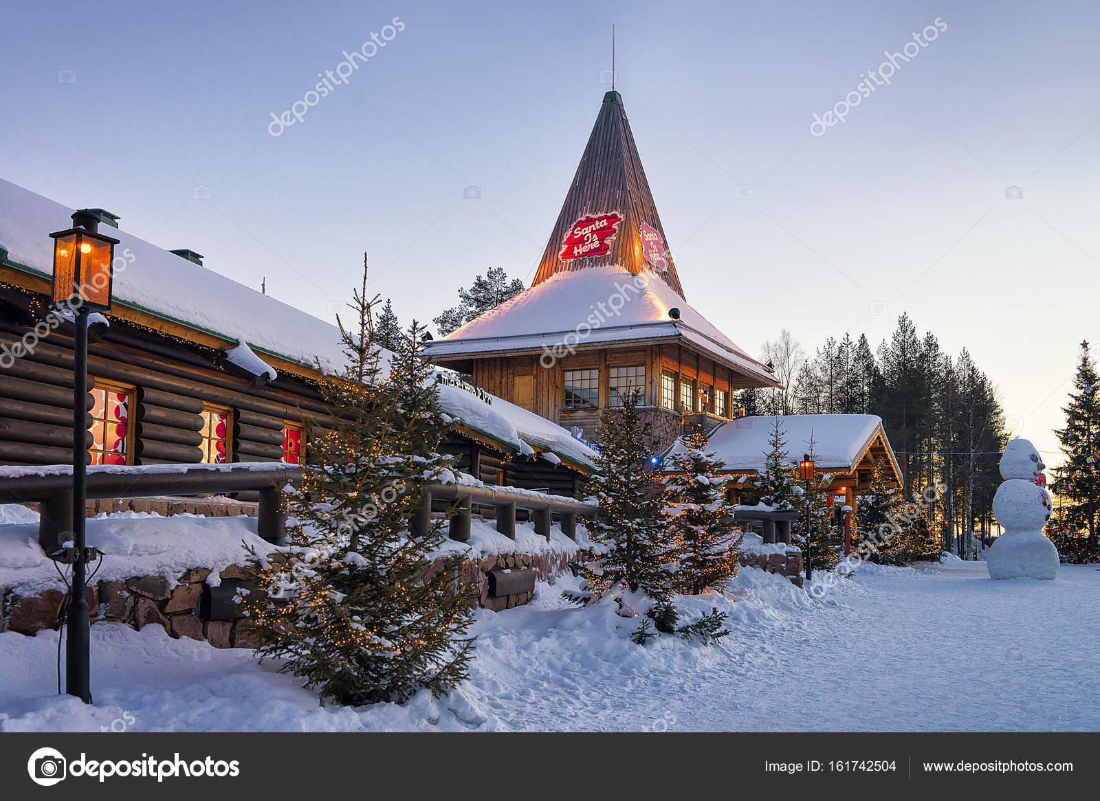 Villaggio Di Babbo Natale In Lapponia.Villaggio Di Babbo Natale In Lapponia Scandinavia Foto