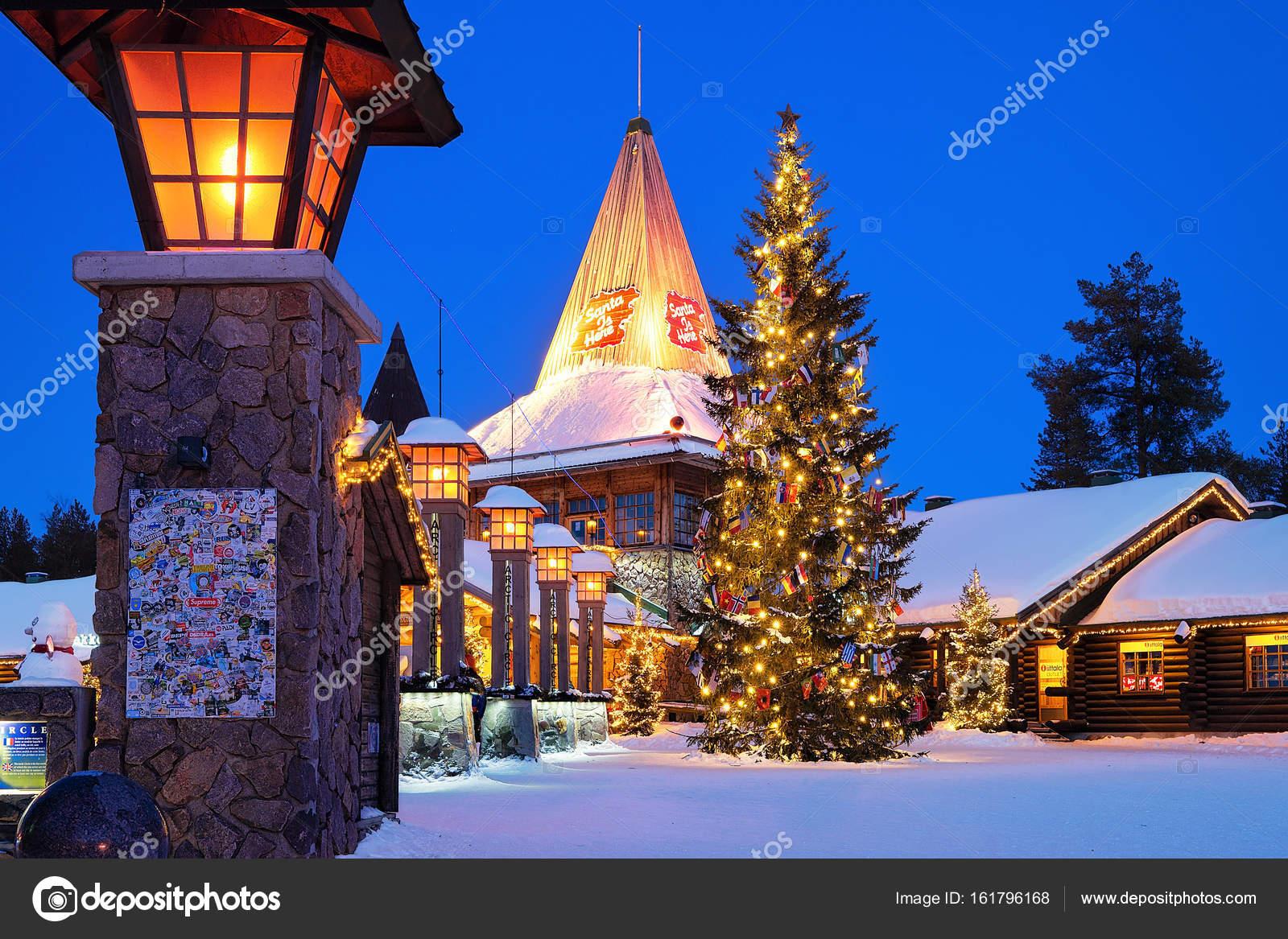 Villaggio Di Babbo Natale In Lapponia.Villaggio Di Babbo Natale In Lapponia Scandinavia Di Notte
