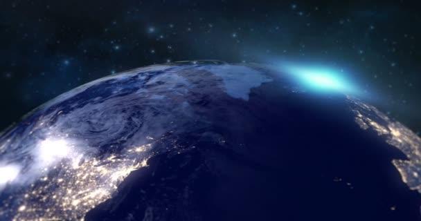 modrá planeta země z vesmíru ukazují kontinent Evropa v noci, kulatá svět s modrá záře okraje a slunce světlo svítání v prostoru hvězdné pole pozadí