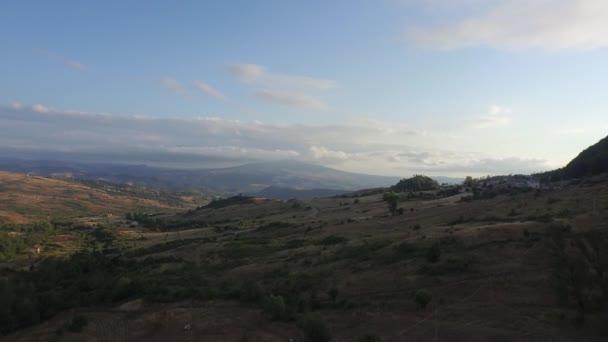 krajina s kopci v Basilicata