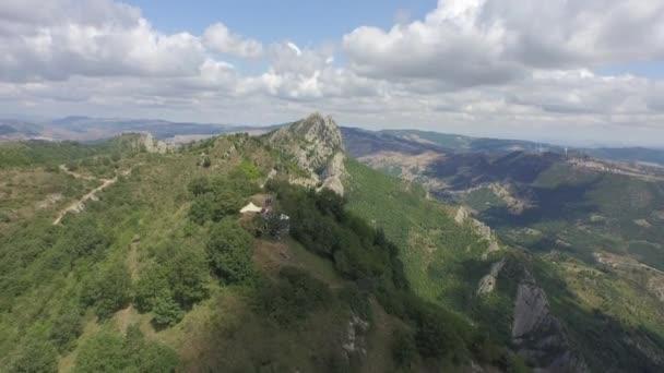 zelené kopce v Basilicata